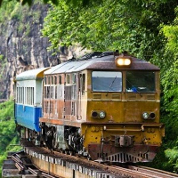 Train tortillard à Kanchanaburi