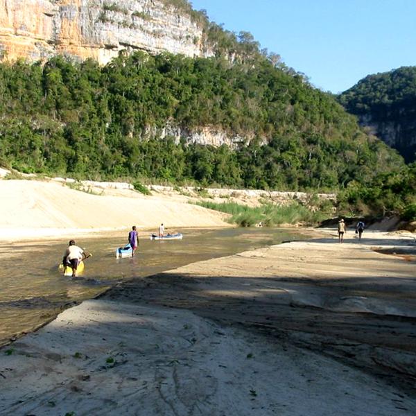 Manambolo river by canoe