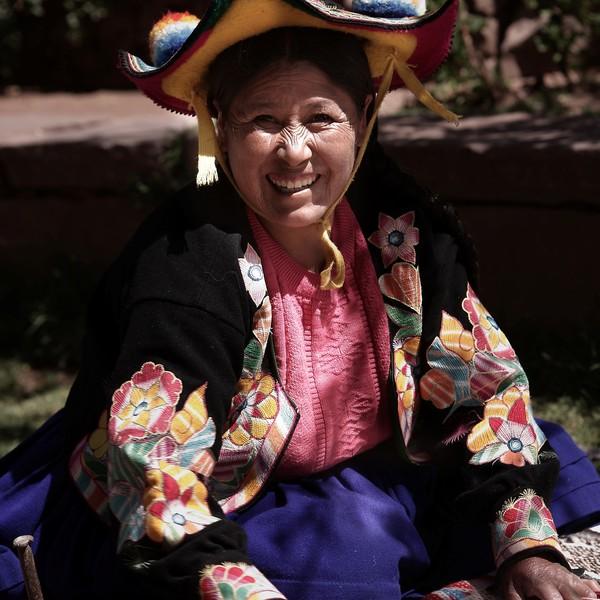Femme indienne en costume traditionnel