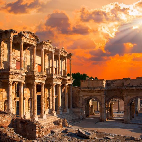 Èfeso, una delle più importanti città del Mar Mediterraneo. Dovette la sua fama, anche alla presenza di tempio di Artemide.