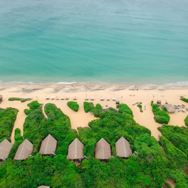 Vue du ciel d'une plage Sri-Lankaise
