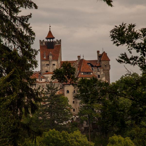 Le château de Bran, près de Brasov, est associé à la fameuse légende du comte Dracula