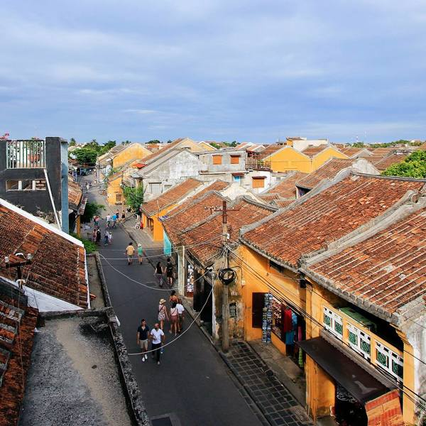 Vue panoramique sur une rue de Hoi An