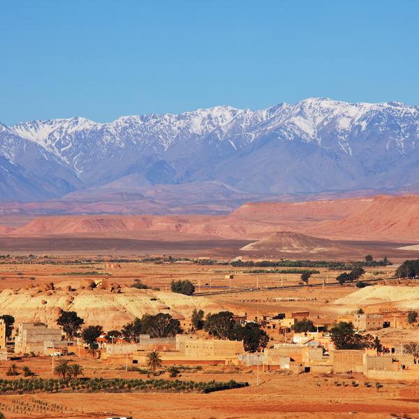 Das Bild zeigt den Blick auf das Atlas- Gebirge in Marokko.