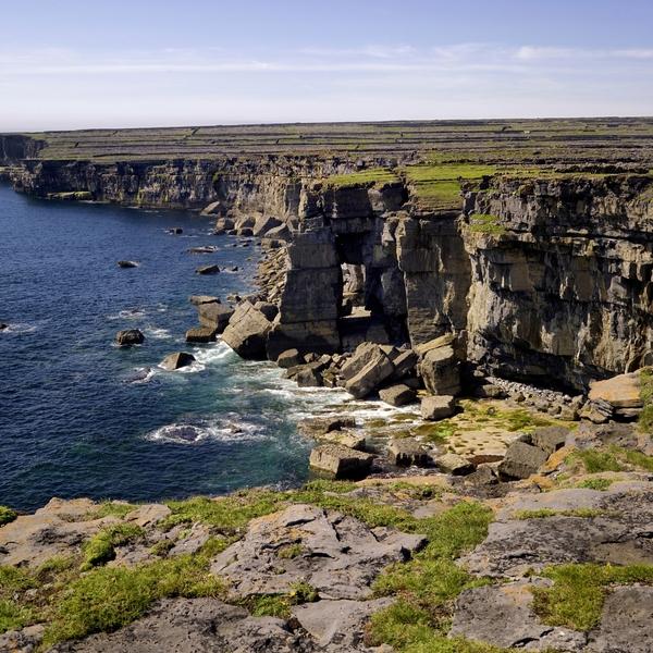Les falaises karstiques des îles d'Aran