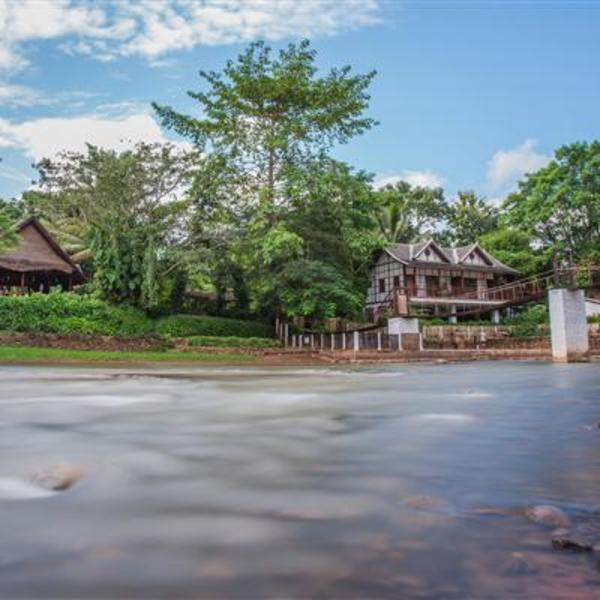 Les maisons d'hôtes du Muang La Lodge au bord de la rivière