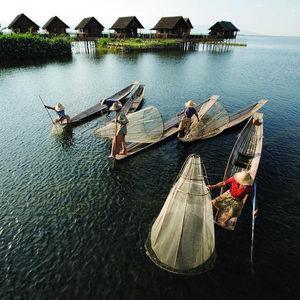 Das Bild zeigt Fischer mit in Asien.