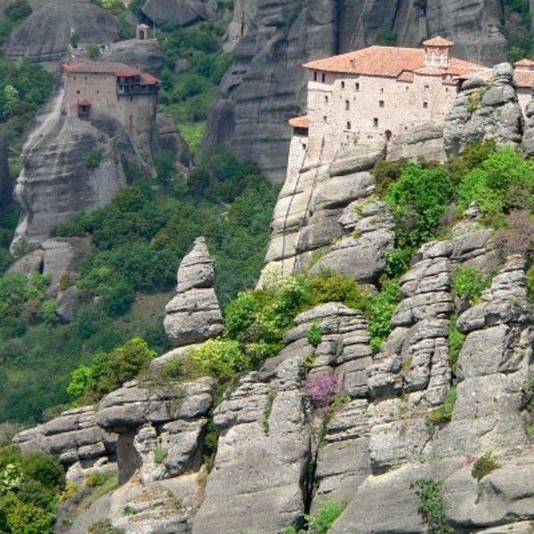 Un monastère des Météores à flanc de paroi