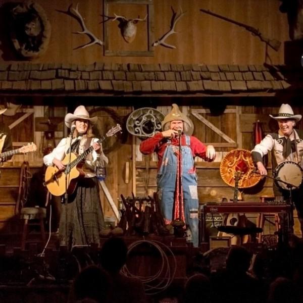 Dîner-spectacle ambiance cowboy au Blazin'M Ranch