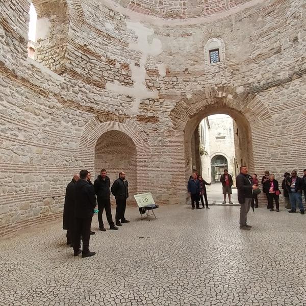 Ancient Roman Palace and Klapa singers
