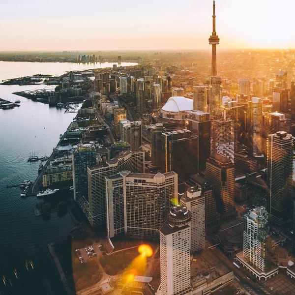 Coucher de soleil sur la skyline de Toronto