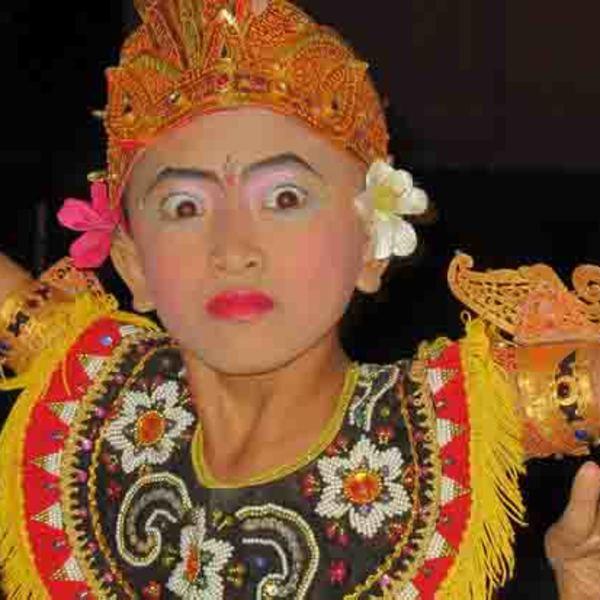 Spectacle de danse de l'école de danse de Pemuteran
