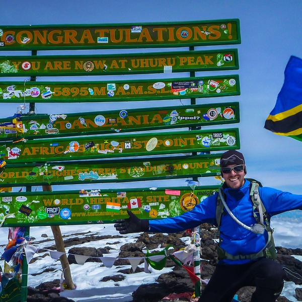 Das Bild zeigt den Kilimanscharo.