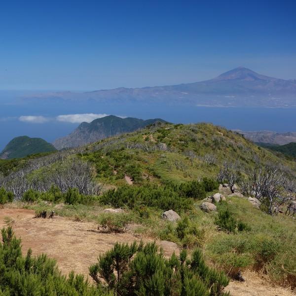 Vue panoramique sur les îles des Canaries depuis les chemins de la Gomera