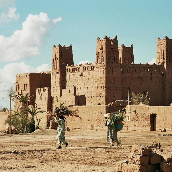Das Bild zeigt Lehmbauten in Marokko.