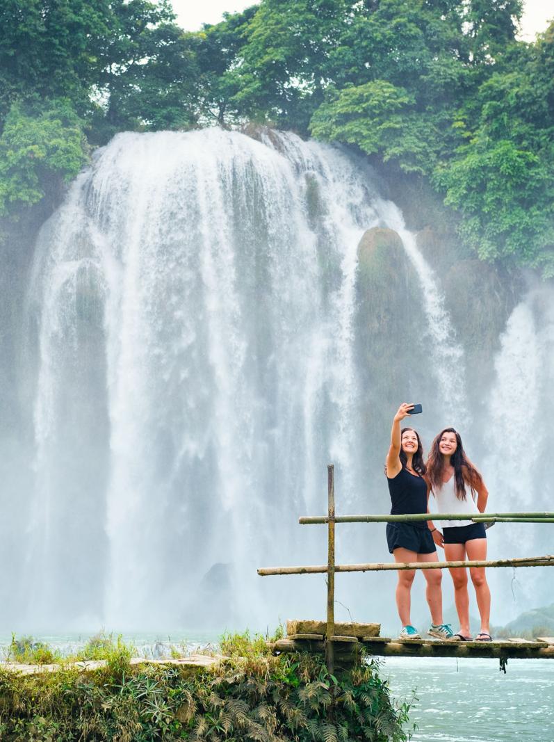 Admire The Emerald Hues Of The Ban Gioc Falls Evaneos